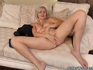 Canadian mother i'd like to fuck velvet skye finger copulates her enjoyable cumhole