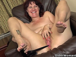 American mother i'd like to fuck zoe stuffs her cumhole with nylons