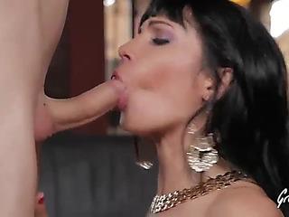 Valentina ricci striptease