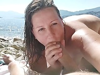 STEPSON FUCKS WITH STEPMOM AND CUM ON HER BIG ASS.